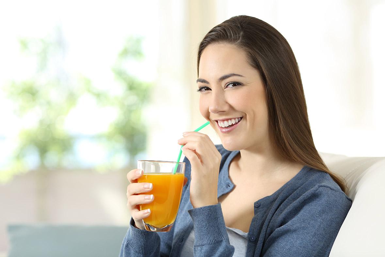 zumo de naranja natural - campos de azahar